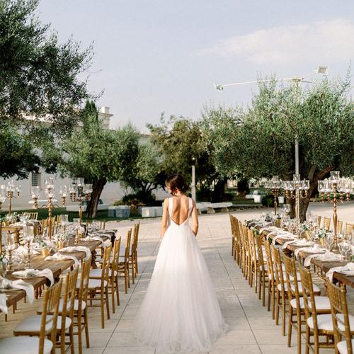 foto matrimonio sposa tra i tavoli