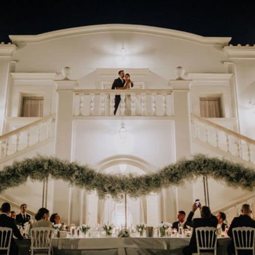 foto matrimonio sposi e tavolo imperiale